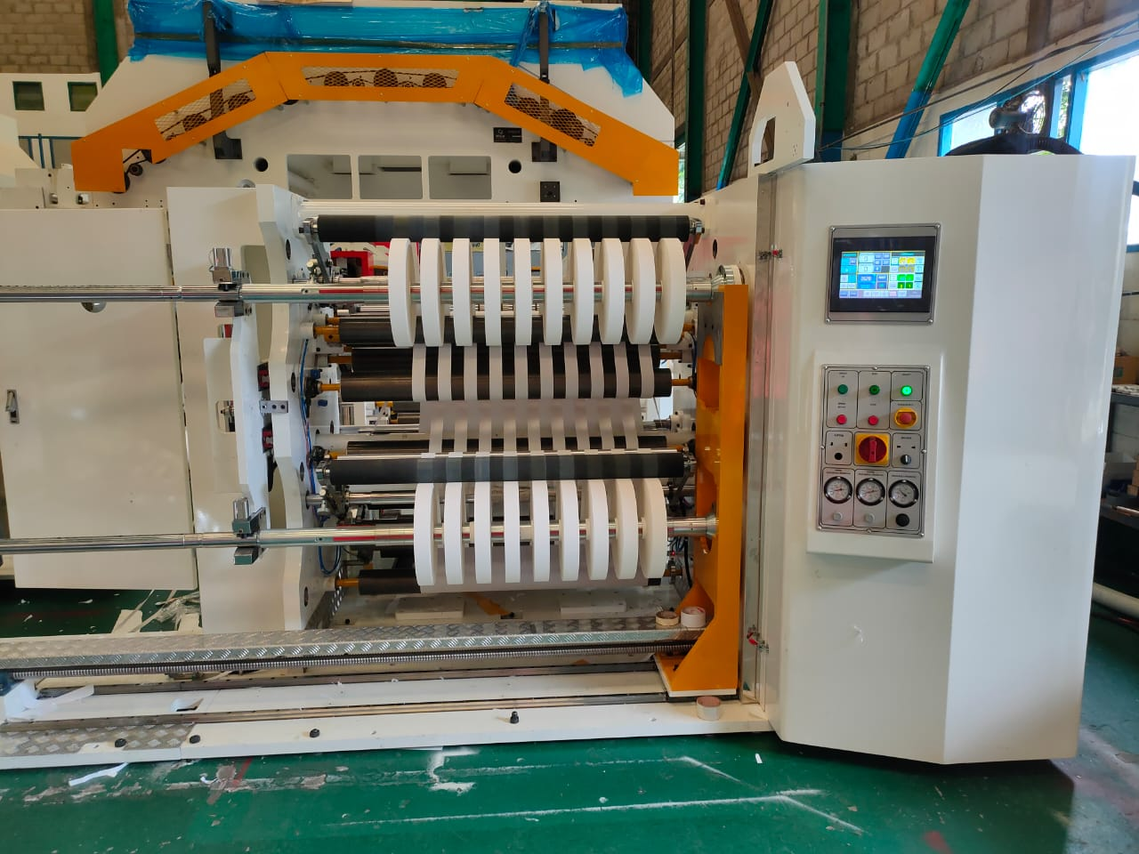 Slitting machine model ISL-140HB